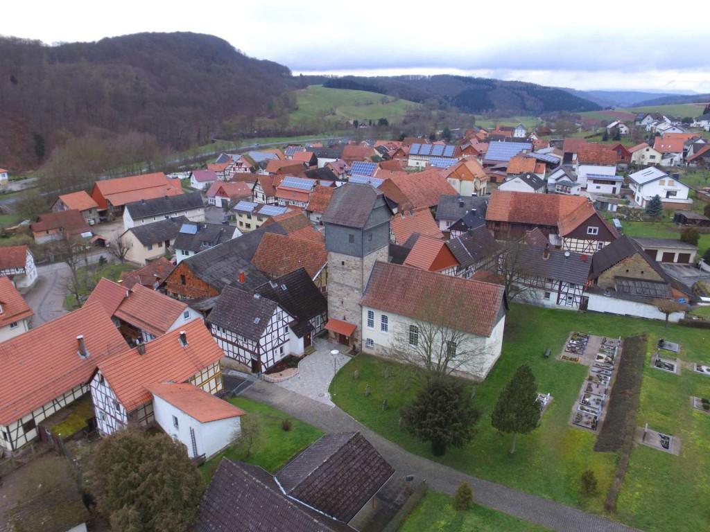 Luftaufnahme der Breitauer Kirche vom 05.03.2016